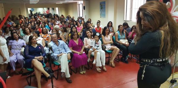 La Asociación por los Dominicanos APLD celebró el Día de las Madres en Madrid