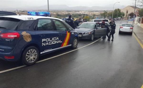 Más de cien dominicanos detenidos en España por conducir con documentación falsa