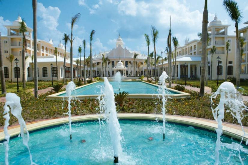 Hotel Riu Bambu Punta Cana reabre tras renovación en sus instalaciones