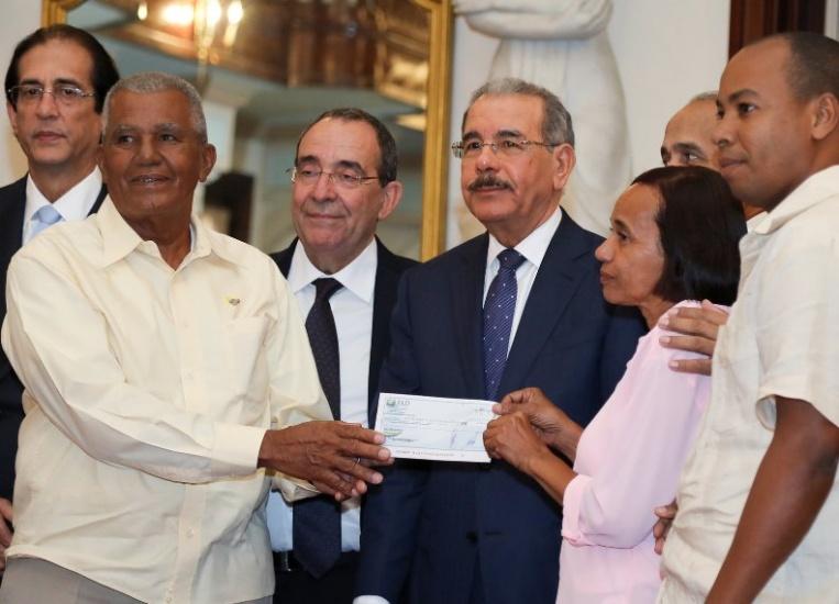 Presidente Danilo Medina respalda a 30 organizaciones rurales agrícolas