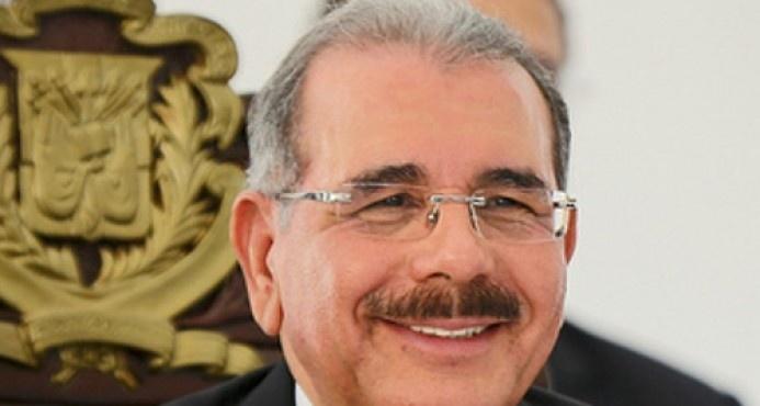Presidente Medina tiene una valoración de 63%, según José Ramón Peralta