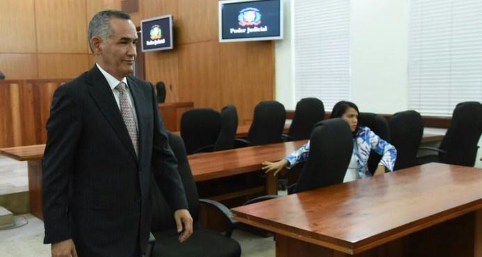 Piden condenar a 15 años de prisión al exdirector de Inapa