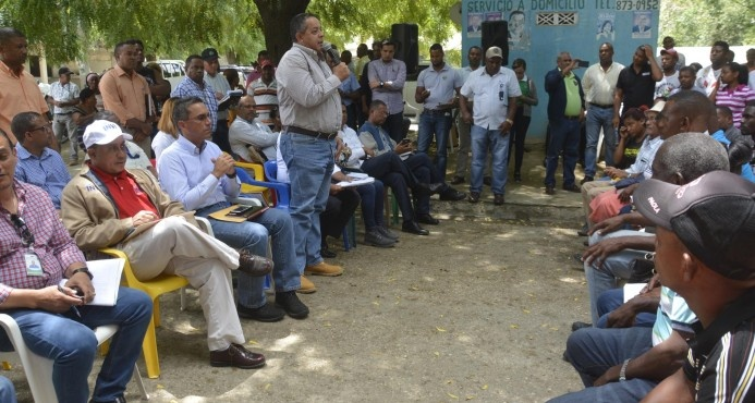 Comisión presidencial evalúa peticiones de productores de Barahona
