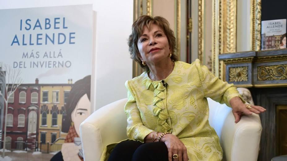 Isabel Allende Celebra Sus 75 A U00f1os Con Un Nuevo Libro Y Un