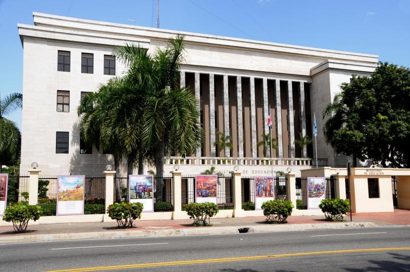Navarro dispuso el desbloqueo y pago de salario de más de 4 mil docentes auditados