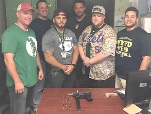 Policía NY recupera ametralladora en vecindario dominicano Bronx