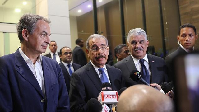Zapatero y canciller dominicano instan a un diálogo