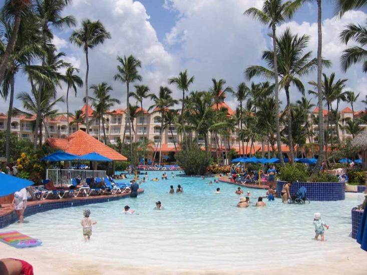 Un millón de dominicanos dependen económicamente del turismo dominicano