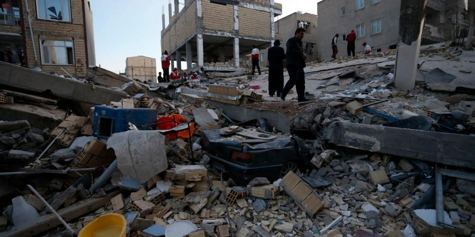 Van más de 300 muertos en Irán e Irak tras terremoto de magnitud 7,3