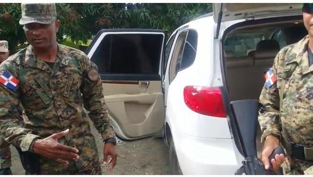 Autoridades detienen otro vehiculo cargado de haitianos ilegales en Pata de Vaca, Santiago Rodriguez