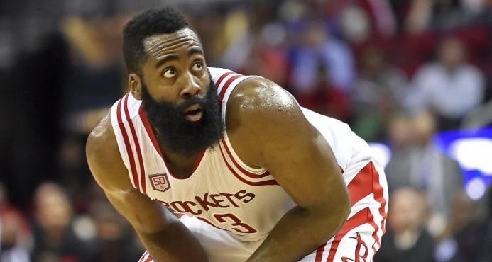 Harden anota 41 puntos, Rockets ganan en Miami