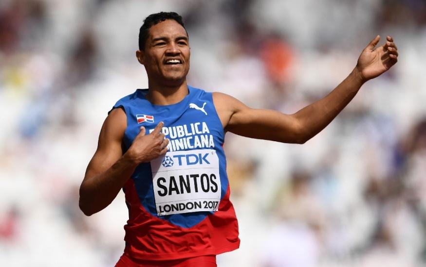 Dominicano Juander Santos clasifica a Mundial Bajo Techo 2018 en Birmingham