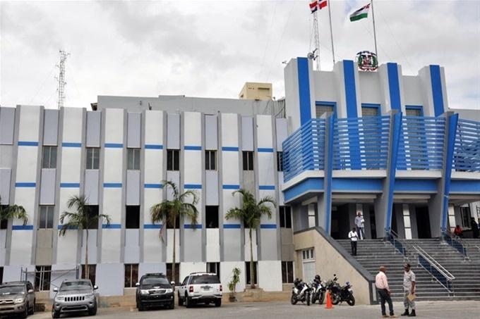 Policía Nacional tras la búsqueda y captura de asaltantes que ultimaron raso de la institución en Boca Chica