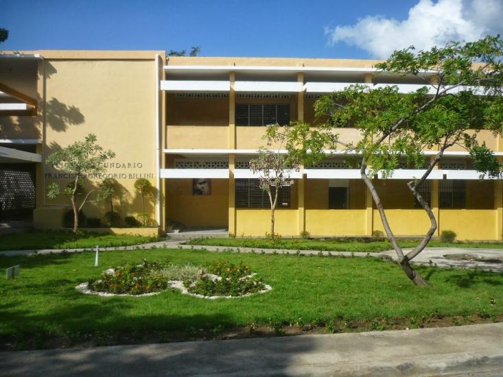 Liceo Francisco Billini vespertino realiza acto de graduación