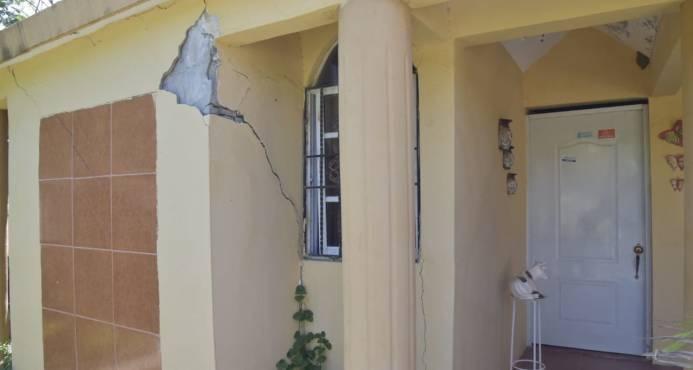 Image result for Planteles escolares afectados por sismos ayer en republica dominicana