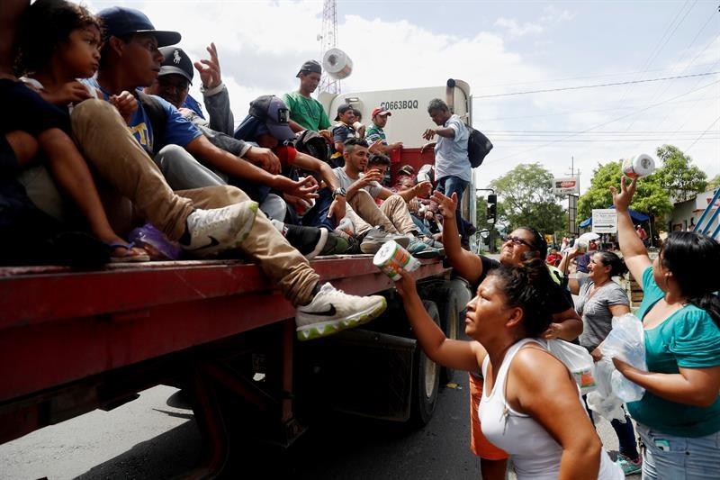 Pide Trump a México detener el