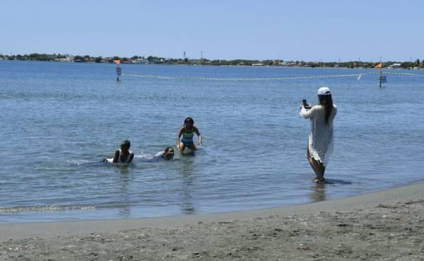 Se registra derrame de combustible en playa Salinas