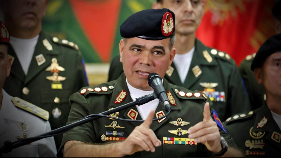 Ministro de Defensa Venezuela dice refuerzan frontera tras ataque a militares