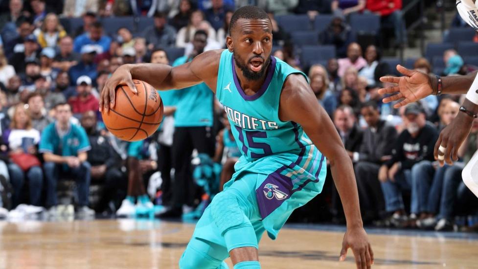 Hornets remonta y vence a Celtics