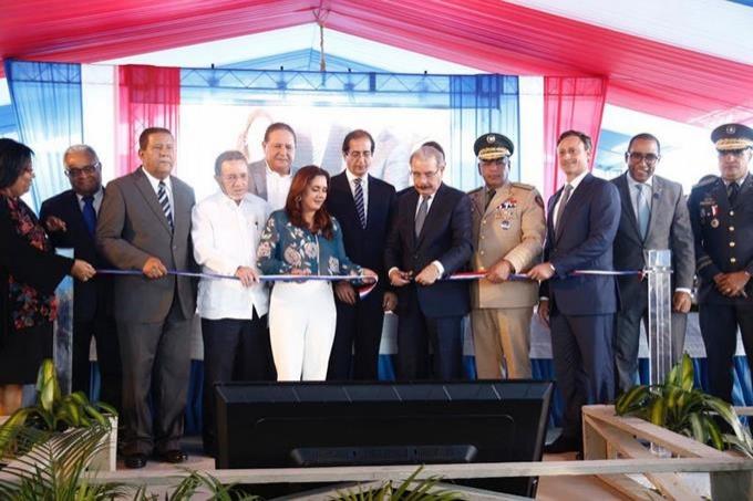 Presidente Danilo Medina activa la marcha de sistema 911 en Higüey