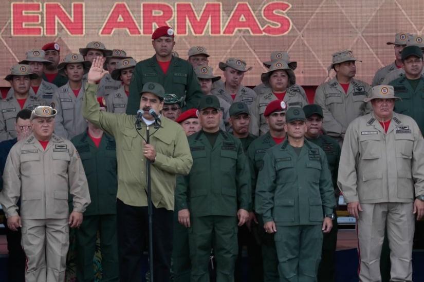 Maduro acusa a Colombia de planes en su contra