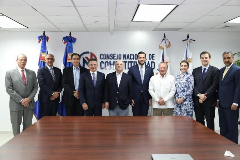 Hipólito Mejía se reúne con el Consejo Nacional de Competitividad