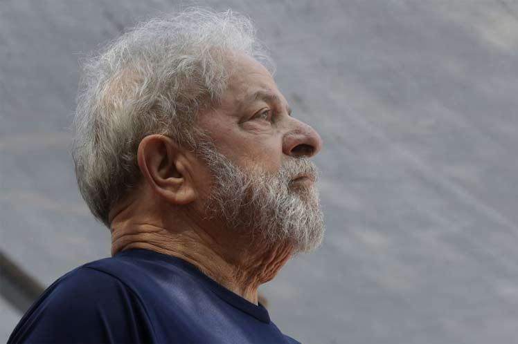 Suspenden audiencia para analizar pedido de libertad para Lula