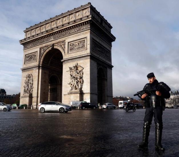 Los principales monumentos de París cerrarán el sábado por miedo a las protestas