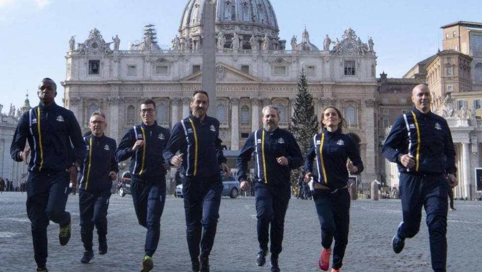 El Vaticano crea su primer equipo de atletismo con sacerdotes, monjas y guardias suizos