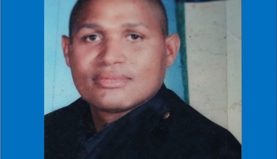 Gilberto Mercedes un policía dominicano fue arrestado y acusado de vender marihuana en un liquor store de Brooklyn