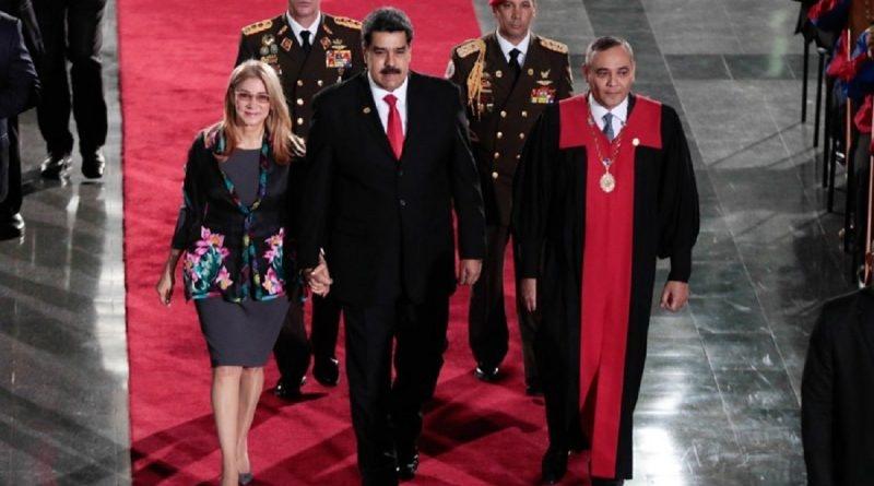 Juramentado como presidente de Venezuela Nicolás Maduro