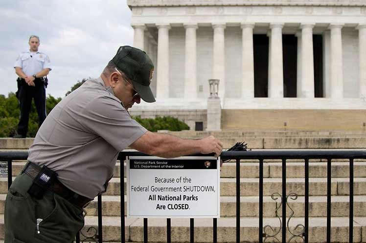 Estados Unidos.: 800 mil empleados pierden primer pago por cierre del Gobierno
