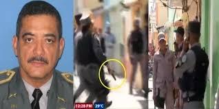 Image result for Desconocidos lanzan piedras a policías en el lugar donde fue asesinado coronel en Bani