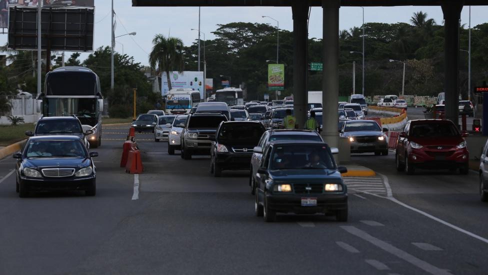 Presidente Danilo Medina aprueba reglamentos elaborados por el INTRANT