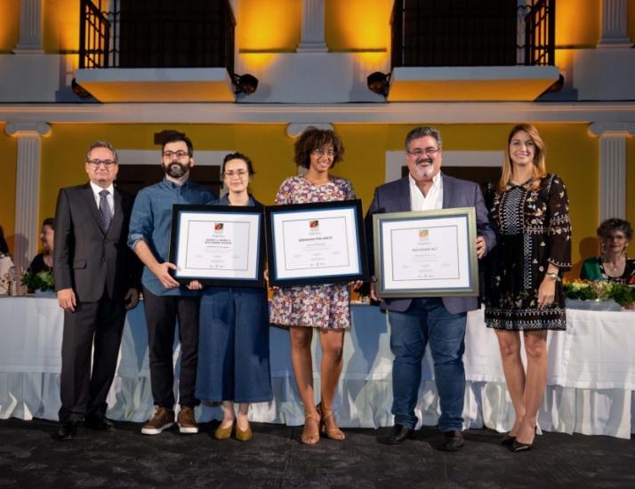 Entregan Premios 27 Bienal E. León Jimenes