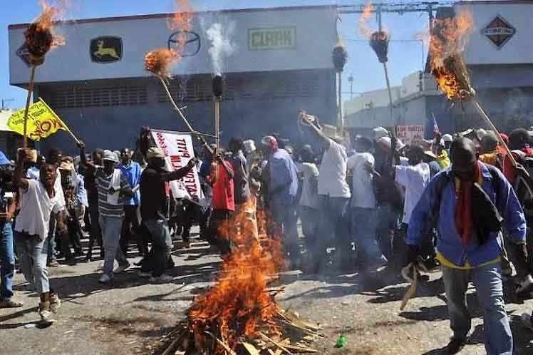 Cancelan vuelos hacia Haití por protestas contra el Gobierno