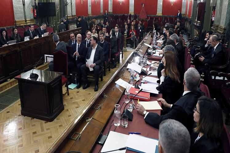 Arranca juicio a líderes catalanes por intentar ruptura con España