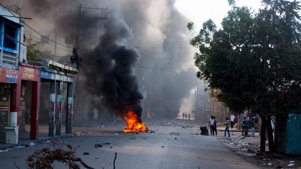 Haití: Manifestantes apedrean la residencia de presidente Jovenel Moise