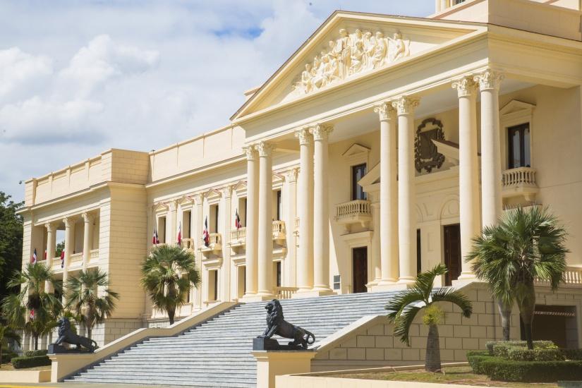Danilo Medina declara de utilidad pública e interés social terrenos necesarios para construcción Línea 2 Teleférico de Santo Domingo