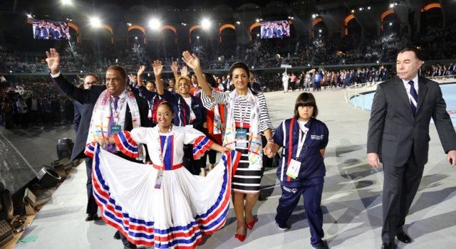 Delegación de RD en su presentación en inauguración de Juegos Mundiales de Olimpiadas Especiales
