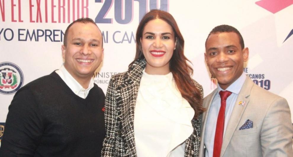 Jóvenes dirigentes Michelle Ortiz y Michael Matos disertan en conferencia celebrada en España