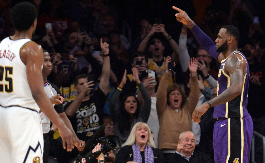 LeBron James superó una marca histórica de Michael Jordan en la NBA