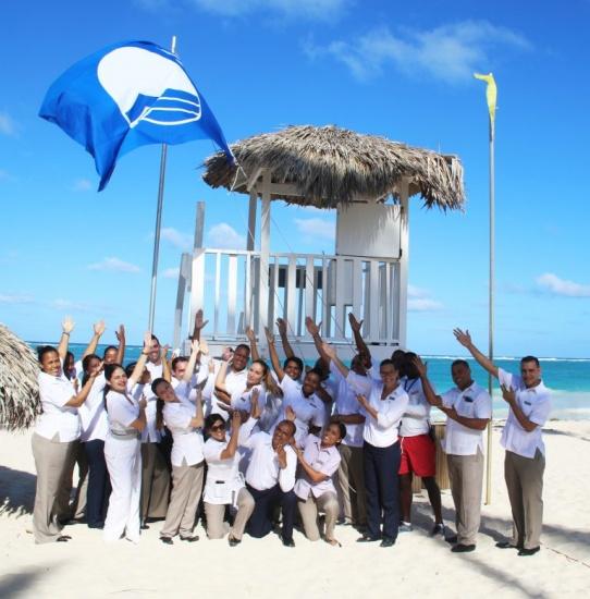 Hoteles Paradisus reciben Certificación Bandera Azul
