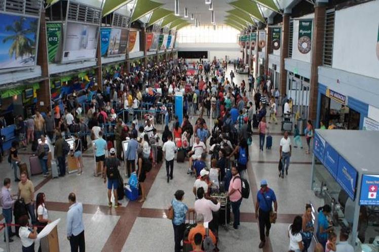 Más de 10 vuelos fueron cancelados entre Viernes y Sábado Santos desde RD a Puerto Rico Y EE.UU