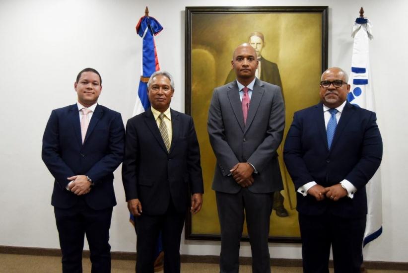 Guillén Bello nuevo presidente de Indotel asume funciones