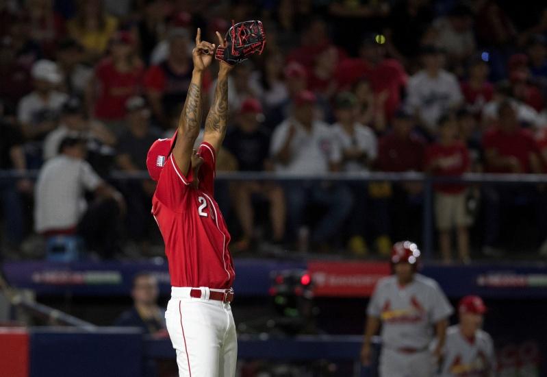 Astros se afianzan y Chris Davis frena su mala racha bateadora