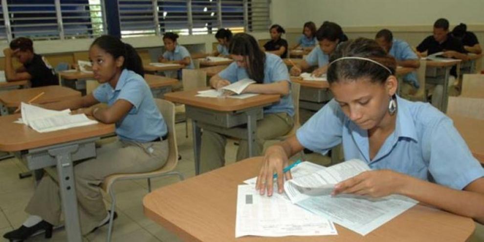 Ministerio de Educación llama estudiantes acudir temprano este lunes a centros educativos