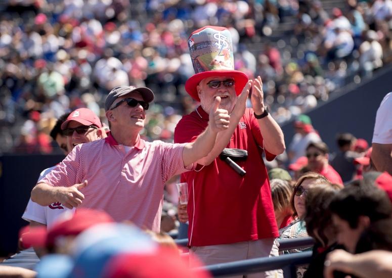 Filis desbancan a Mets del liderato; Cardenales y Rojos igualan en México