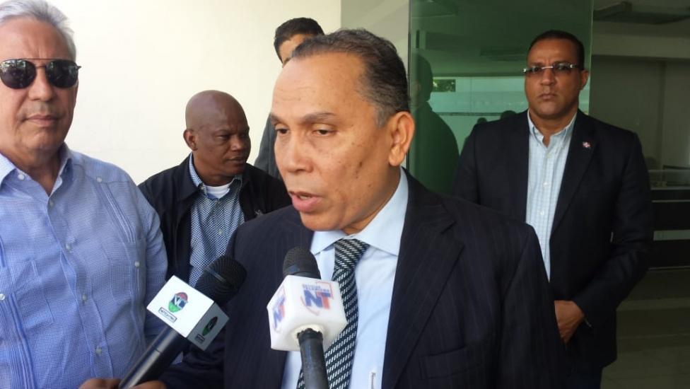 Radhamés Jiménez emplaza a Luis Abinader y a Hipólito Mejía a demostrar sus liderazgos