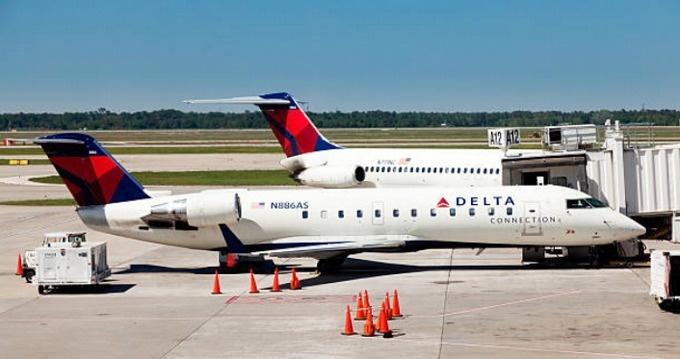 Avión que despego del AILA tuvo que retornar debido a falla técnica, pasajeros evacuados sin danos